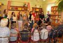 Ziemassvētku noskaņojums turpina valdīt Naujenes tautas bibliotēkā!